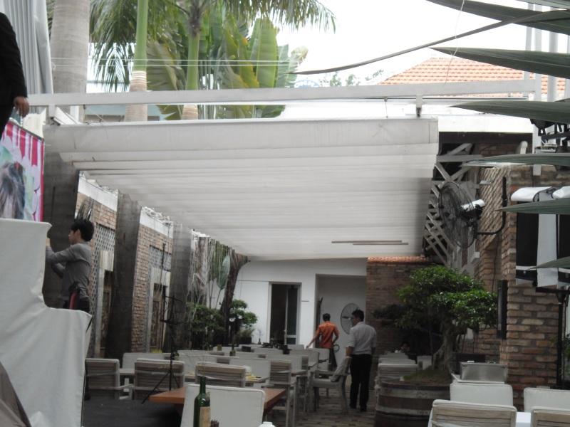 mái xếp bạt xếp di động quán cafe