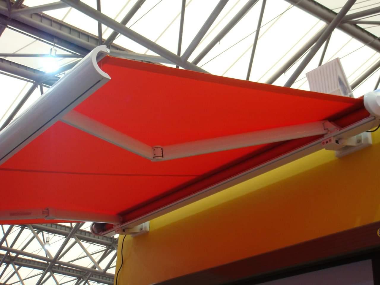 Lắp đặt mái che di động, mái bạt xếp, mái bạt lùa kéo sóng tại hà nội